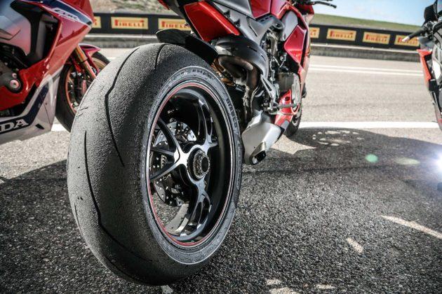 Pirelli Diablo moto da corsa pista