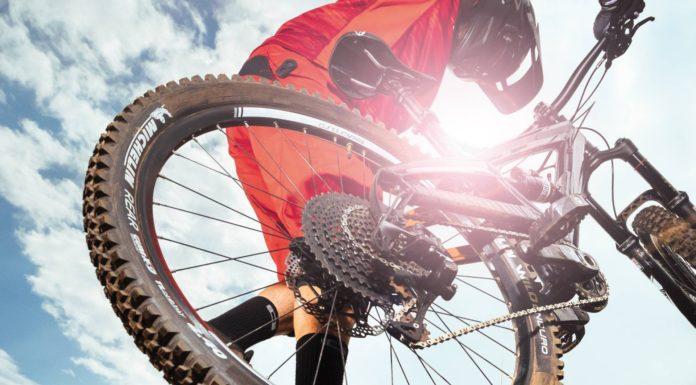 Michelin Wild Enduro dettaglio copertone posteriore usato dal basso