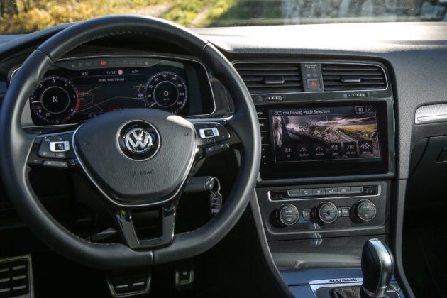Volkswagen Golf Alltrack dettaglio visione guidatore