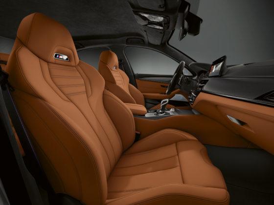 BMW M5 competition dettaglio sedile passeggero e sedile guidatore
