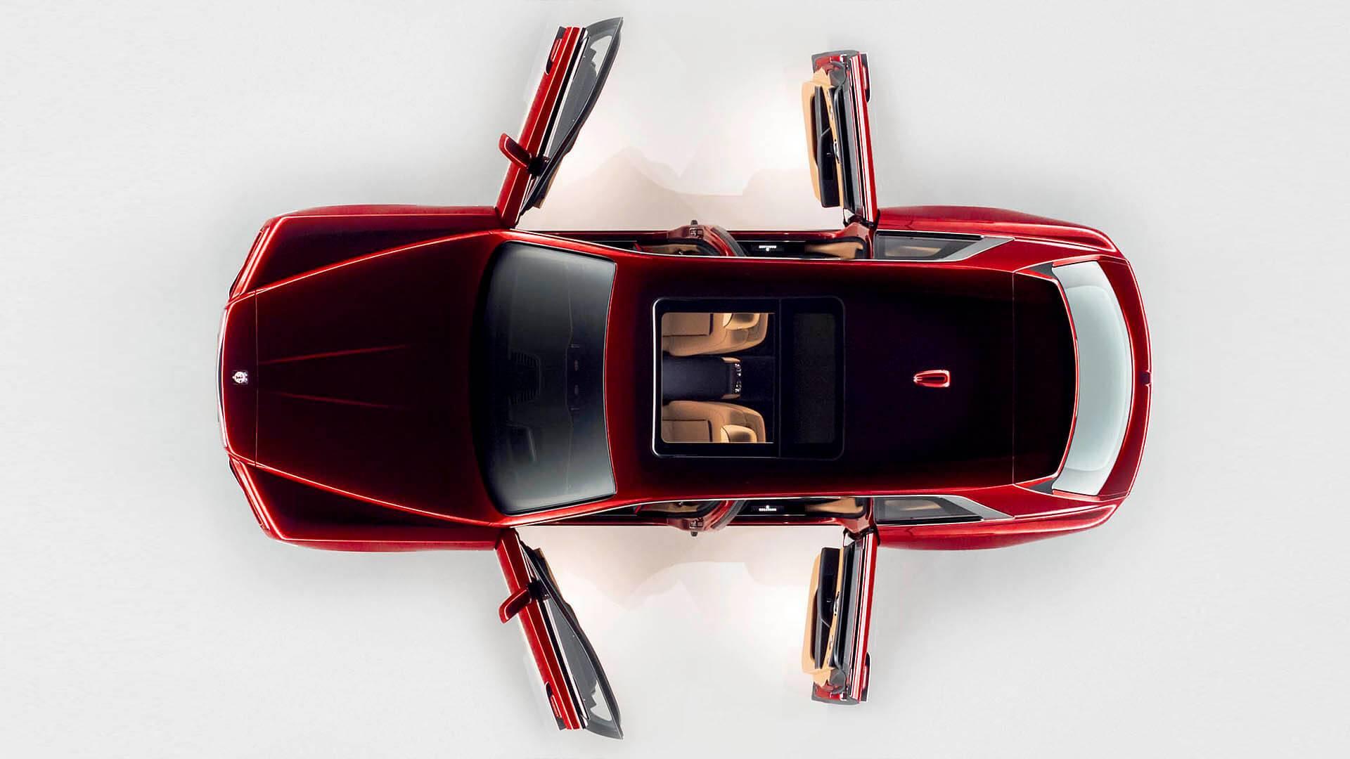 Rolls Royce Cullinan porte vista alto