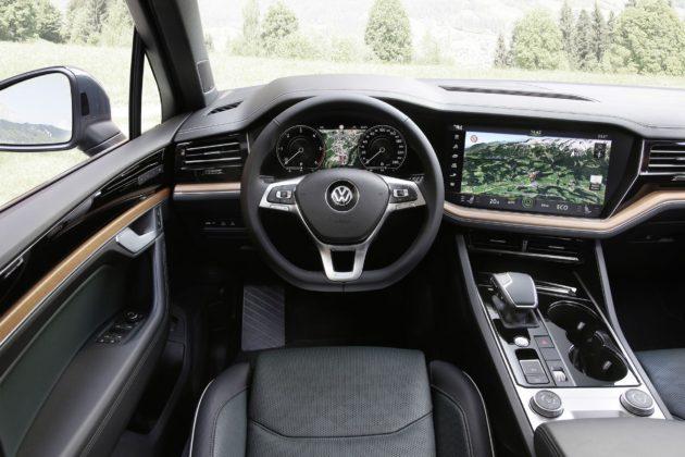 Volkswagen Touareg 2018 dettaglio visione del conducente