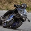 Yamaha Niken movimento frontale