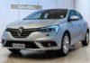 Renault Megane Duel grigio metallizzato fotografata in uno showroom