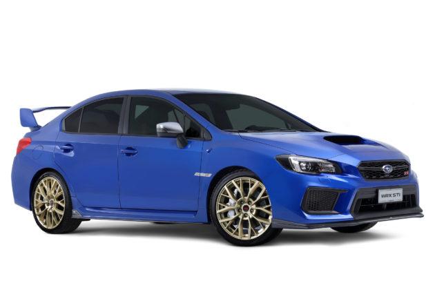 Subaru Impreza laterale destra statica blu con cerchioni oro