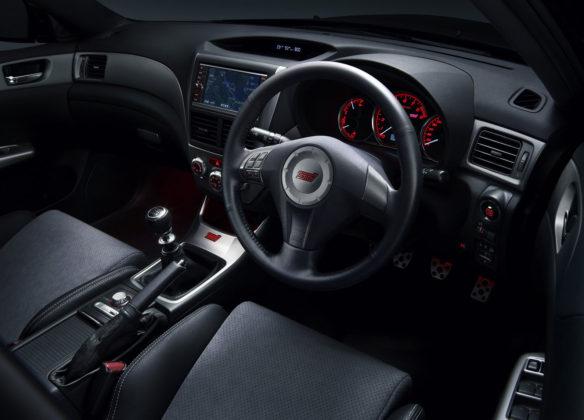 Subaru Impreza dettaglio volante cruscotto cambio