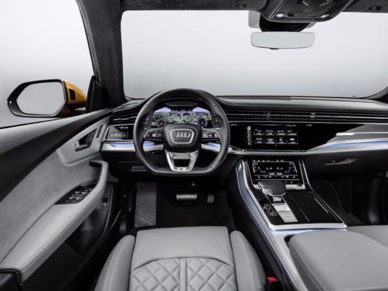 Audi Q8 dettaglio visione guidatore