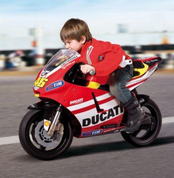 Bambino su Ducati Valentino Rossi
