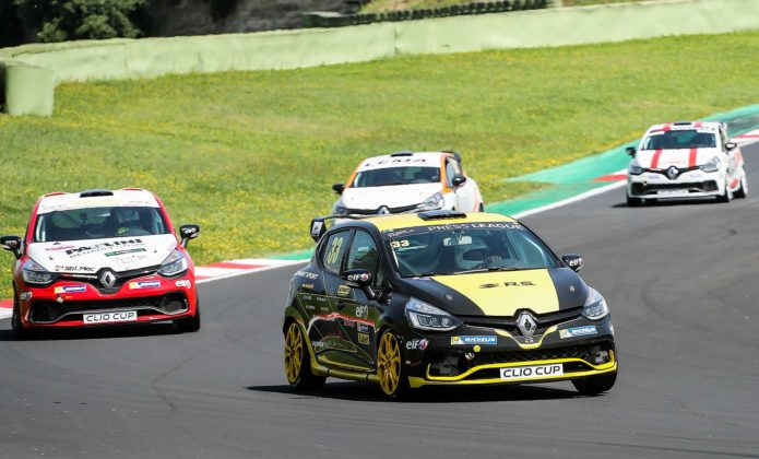 Renault Clio Cup 2018 in curva