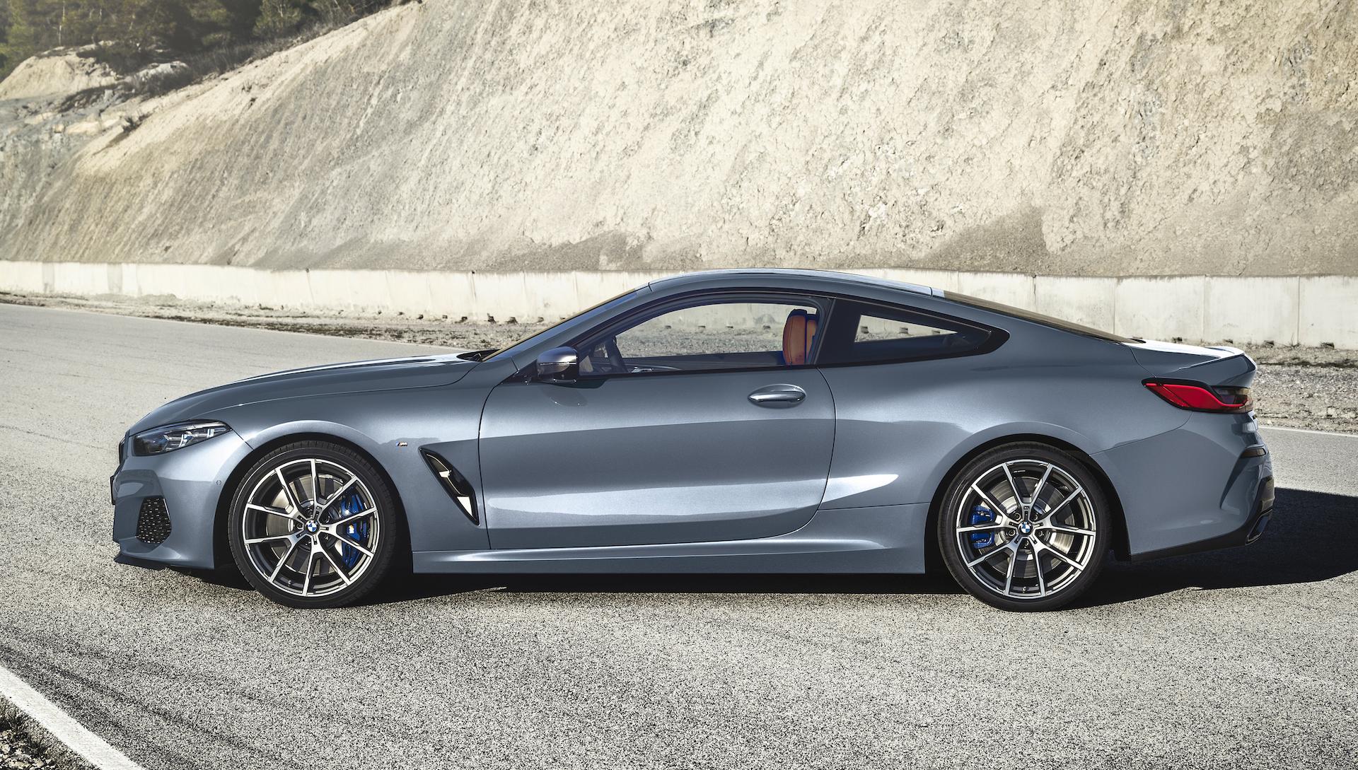 BMW Serie 8 Coupé vista laterale