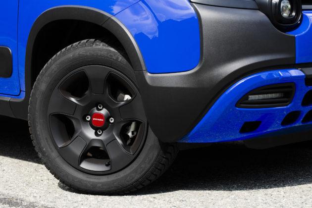 Fiat panda Waze dettaglio cerchio in lega