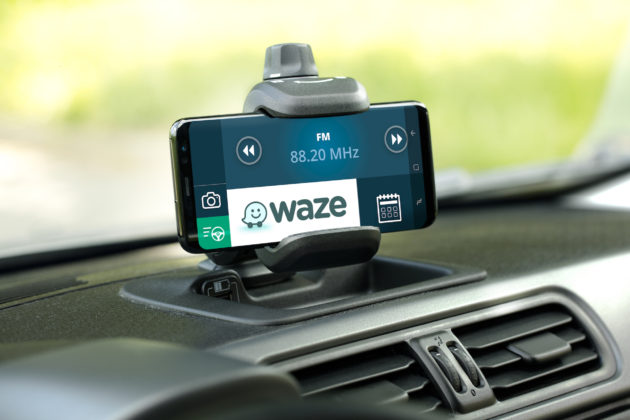 Fiat Panda Waze supporto smartphone