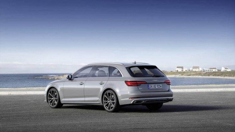 Audi A4 Avant 2019 3/4 posteriore