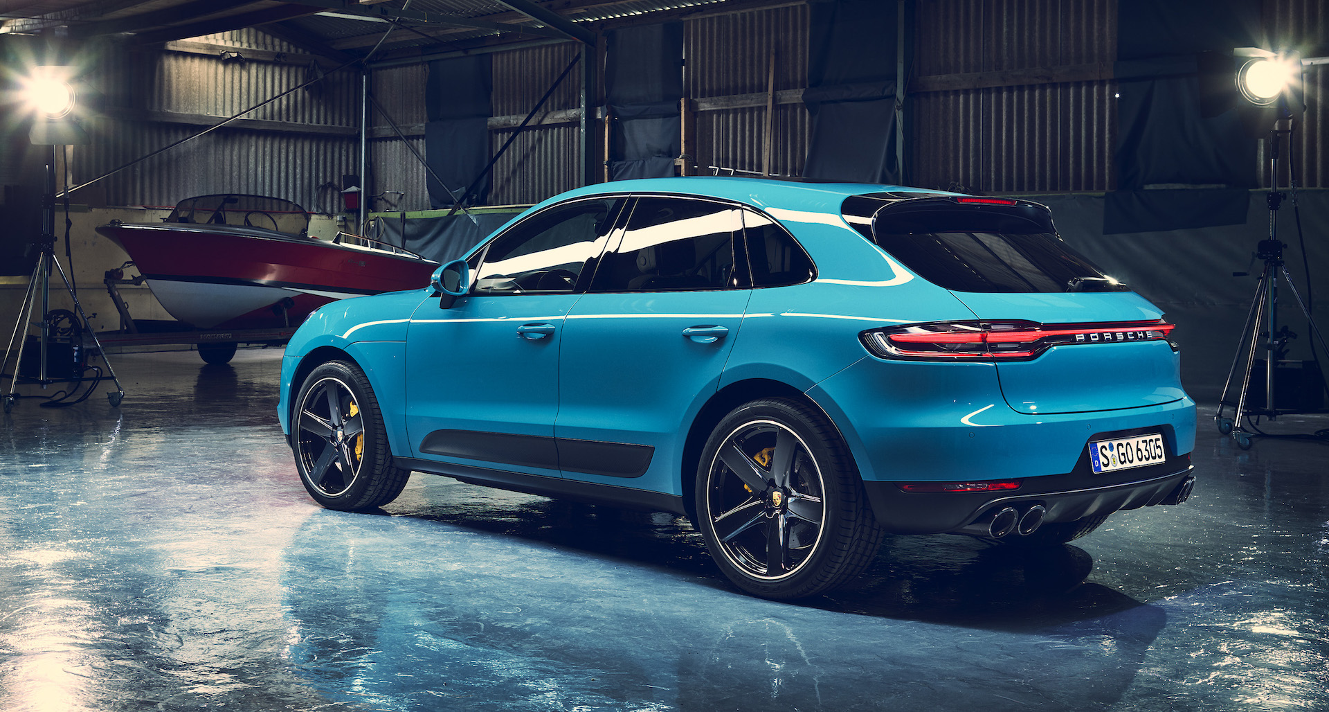 porsche macan 2019 restyling tecnologico a shangai red live. Black Bedroom Furniture Sets. Home Design Ideas