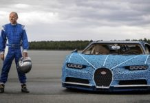 Bugatti Chiron Lego, con il pilota Andy Wallace