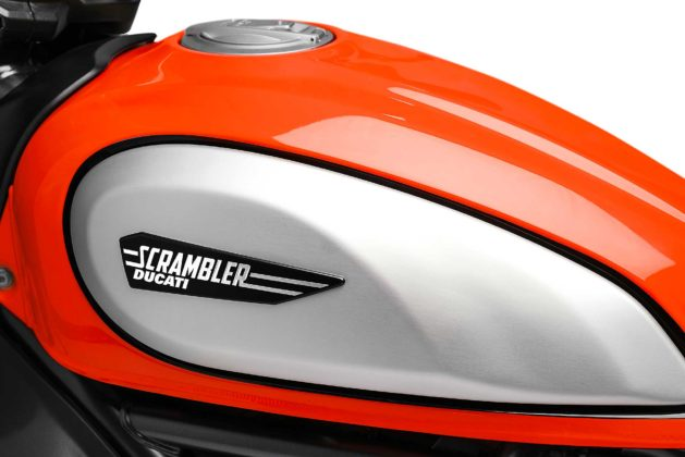 Ducati Scrambler icon 800 2019 arancio particolare serbatoio
