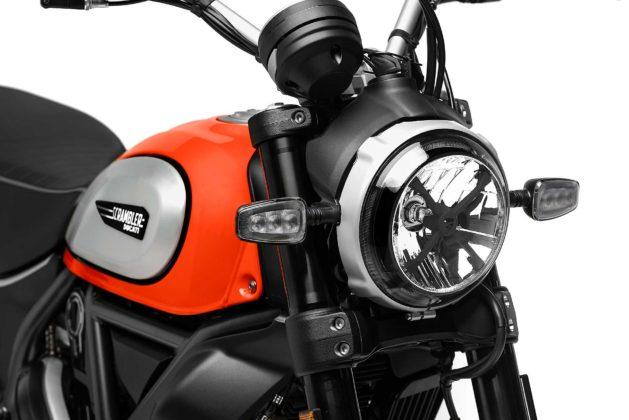 Ducati Scrambler icon 800 2019 particolare faro