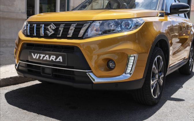 Suzuki Vitara 2018 dettaglio frontale