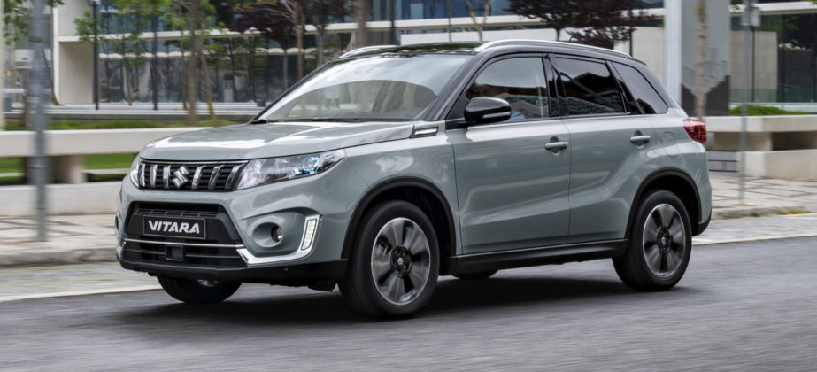 Suzuki Vitara 2018 grigia fiancata