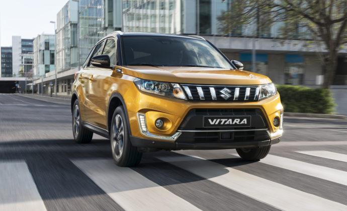 Suzuki Vitara 2018 gialla città
