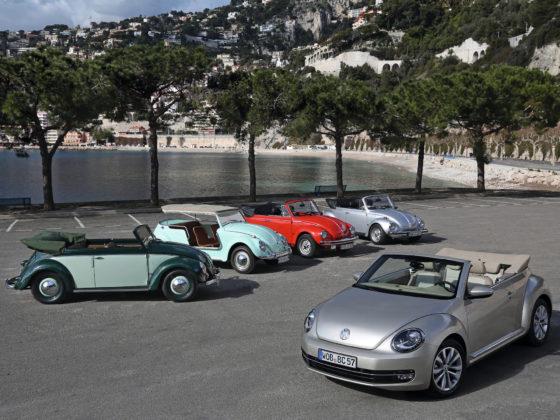 Volkswagen Maggiolino Cabrio con le antenate