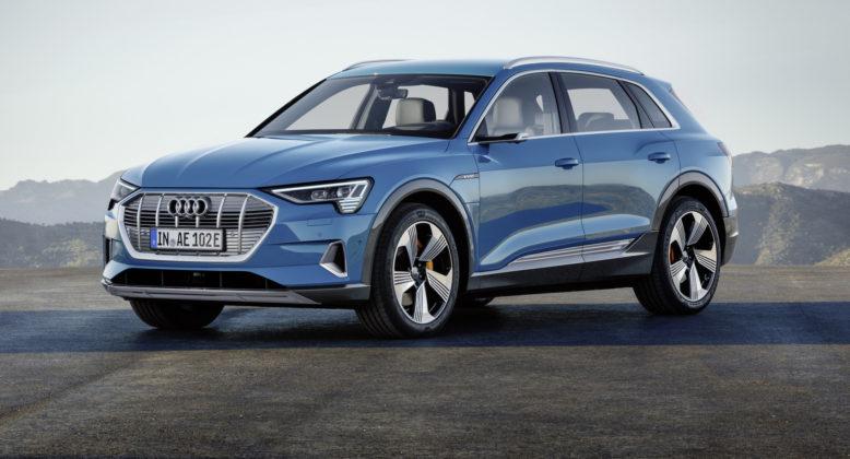 Audi e-tron blu 3/4 anteriore
