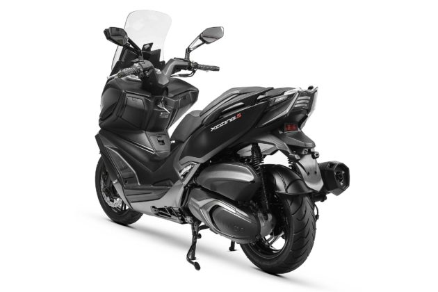 Kymco Xciting 400 S - 3/4 posteriore